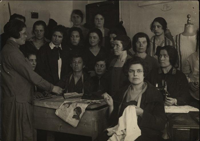Клуб «Коммунист», Москва, 1927 год.